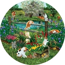 Cats At Play round puzzle 500 pc